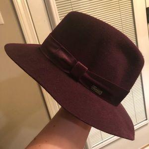 """Betmar of New York """"Izette"""" Velvet Felt Hat S/M"""